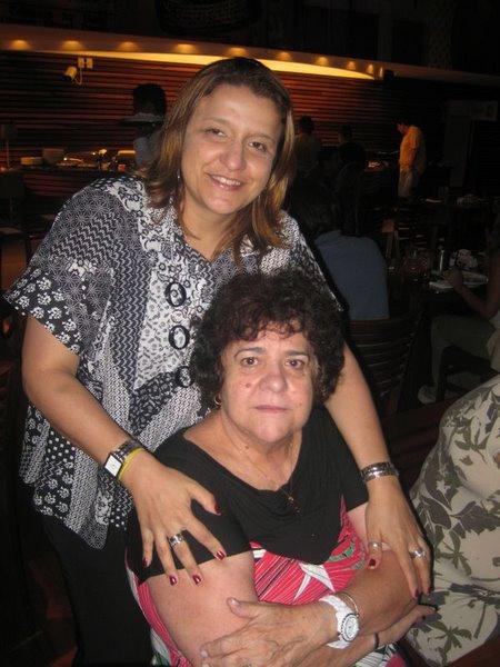 Mãe, do céu ouça meu agradecimento todos os dias pela vida que você me deu. Com toda a gratidão e amor que aprendi com você quero lhe desejar um feliz e lindo Dia das Mães. Te amo!